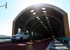 新疆省道201线玛依塔斯风雪灾害治