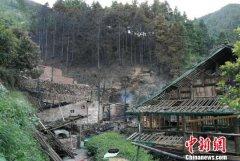 广西柳州市三江一村寨发生一起火