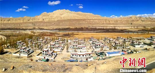 西藏阿里地区旅游年收入首次突破10亿元人民币