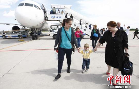 2018年,哈尔滨机场对俄客运量16.3万人次,同比增长14.3%。 刘锡菊 摄