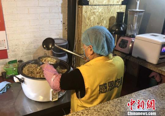 西安一素食餐厅提供免费午餐清淡饮食获食客青睐