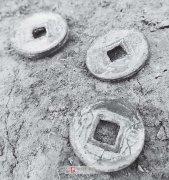 安徽阜南县出土大量古钱币