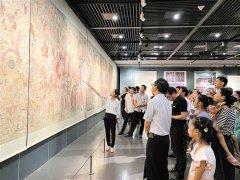 毗卢寺壁画摹本展在南宁开展 展期将延续至8月1