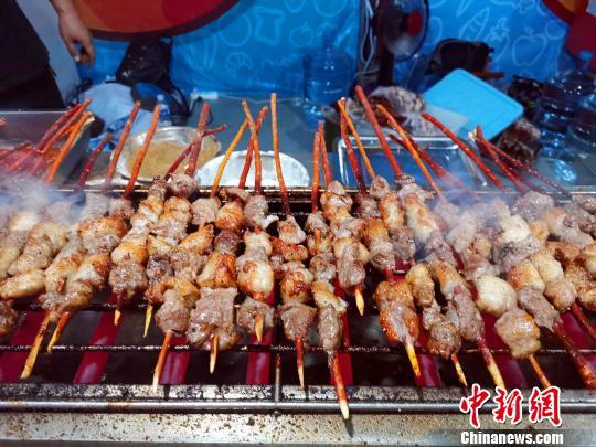 图为,开元盛世·第二届泰山美食节美食节美食。 孙宏瑗 摄
