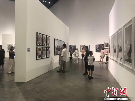 《摄影180年在中国》大型展览银川开展